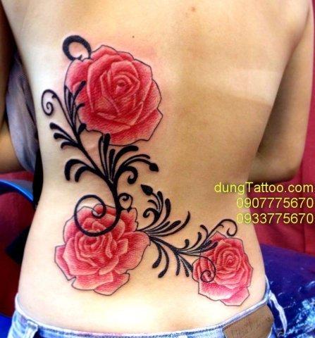 Hình xăm hoa rồng vai lưng nữ tính Dũng thực hiện 0907775670