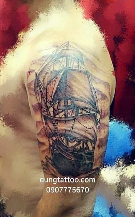 Hình xăm thuyền buồm cho anh người Mỹ về thăm quê vợ Dũng đã xong- 0907775670