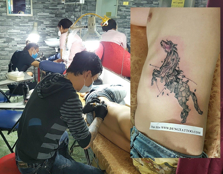 hinh xam ngua ben hong dung tattoo thuc hien dep