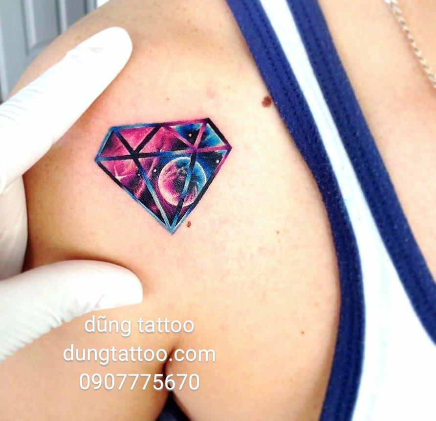 hình xăm kim cương ngôi sao ngân hà galaxy tattoo dũng thực hiện 0907775670