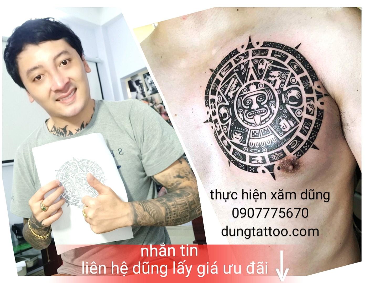1 dung tatoo xam hoa van tren nguc vu nam nu dep